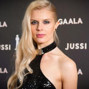 Alina Tomnikova