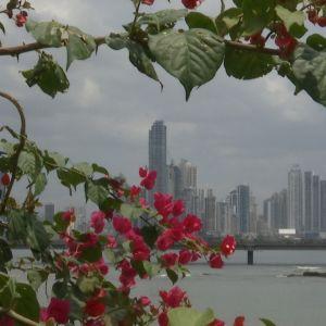 Panama Cityn siluetti.