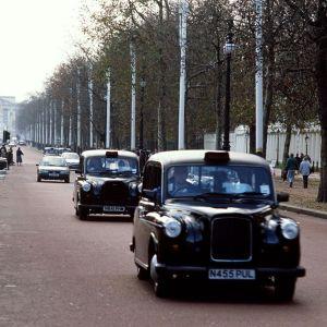 Lontoon mustia takseja.