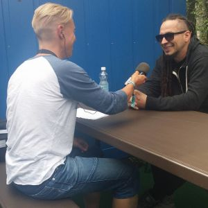 Zoltan Bathory intervjuas på Provinssifestivalen 2016.