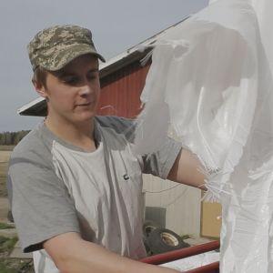 Jonathan Backlund som medverkar i tv-serien Andra stadiet