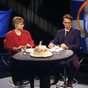 Ahaa!Studion juontajat Hannele Peltonen ja Erkka Myötyri