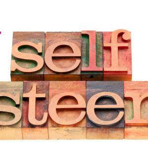 bokstavsblock som stavar self esteem