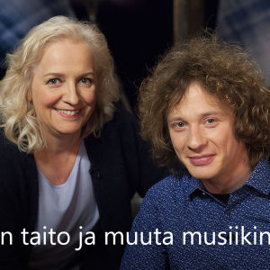 Kapellimestari Santtu-Matias Rouvali vieraana tv-ohjelmassa Flinkkilä & Tastula.
