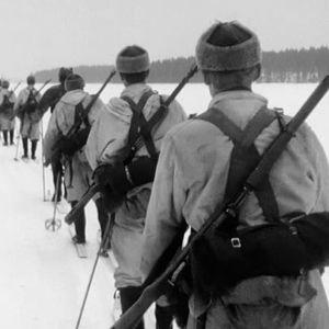 Keski-Suomen Pioneeripataljoonan varusmiehiä talvisessa sotaharjoituksessa.