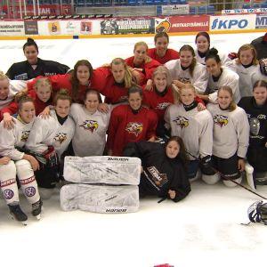 Vasa Sports damtrupp på isen