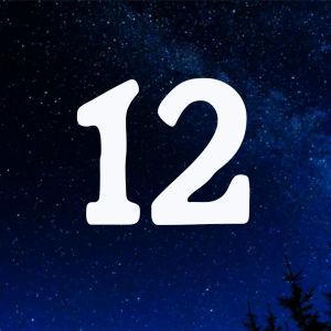 Kuvituskuva. Tähtitaivas ja joulukalenterin luukku nro 12.