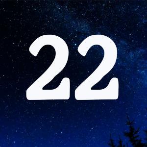 Kuvituskuva. Tähtitaivas ja joulukalenterin luukku nro 22.