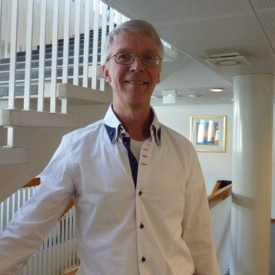 esko kukkasniemi, lektor i svenska vid Åbo universitet
