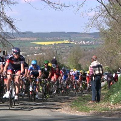 IAM-stallet i täten under Circuit Sarthe