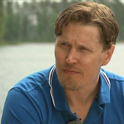 Innebandyspelaren Mika Kohonen på landslagsläger i Eerikkilä, juni 2014