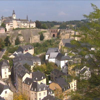 Luxemburg on on noin puolen miljoonan asukkaan perustuslaillinen suurherttuakunta ja sisämaavaltio Länsi-Euroopassa.
