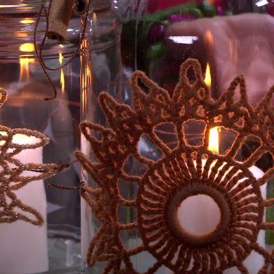 Återanvända virkningar som dekorationer.