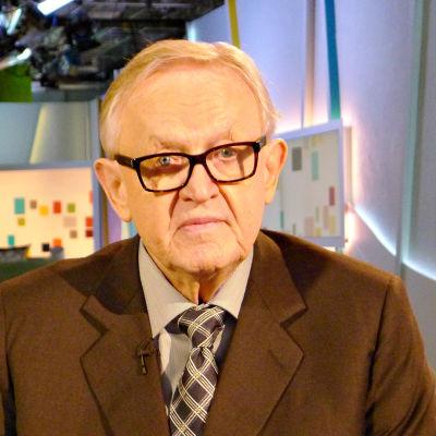 Ahtisaari talar om Ukraina