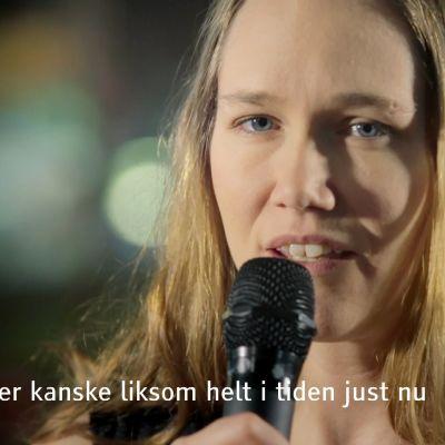 Lotta Green sjunger