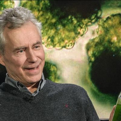 Professor Martin Romantschuk besökte Kvanthopps webbstudio och tog med sig ett antal algprover.