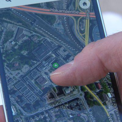 Kartta ja paikannus matkapuhelimessa.
