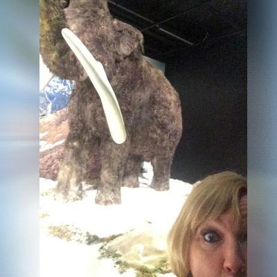 Puoli seitsemän, Regina ja mammutit