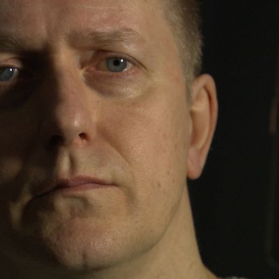Niklas Åkerfelt tolkar Lars Huldéns dikt