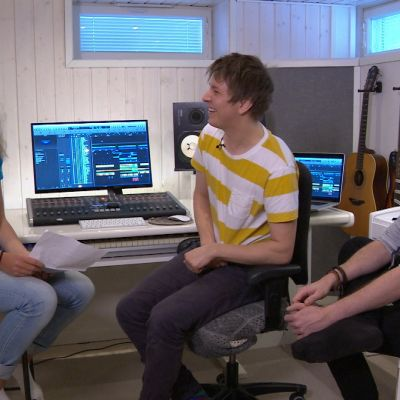 Ingrid i Kristofers och Eriks musikstudio