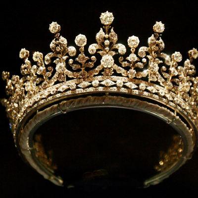 Kuningatar Elisabetin tiara