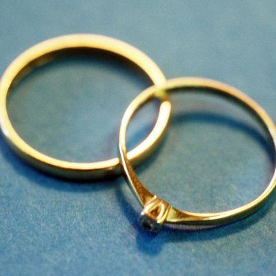 Kultaiset sormukset