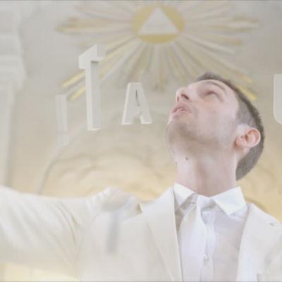 Stand-up komikern Simon Garshasebi i serien Tala ut!