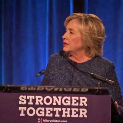 Hillary Clinton förolämpar Donald Trumps anhängare.