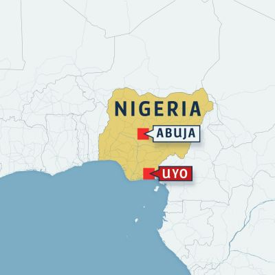 Många dödsoffer då kyrktak rasade i Uyo i Nigeria.