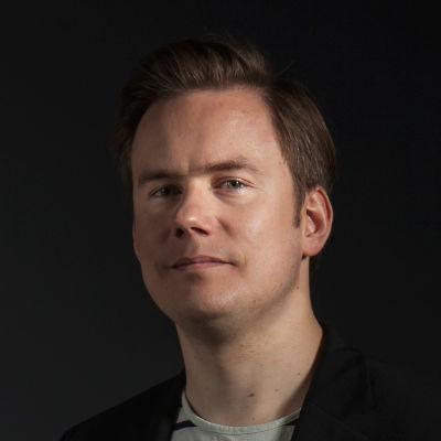 Alttoviulisti Atte Kilpeläinen.