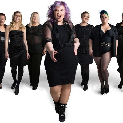 Vaakakapina. Lopeta laihdutus - aloita elämä. Kuvassa Jenny Lehtinen ja joukko naisia.