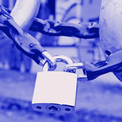 Digitreenien pääkuvassa polkupyörä lukittuna numerolukolla. Teksti Kaksivaiheinen tunnistus