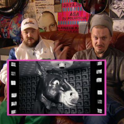 Pyhimys ja Kasperi Laine katsovat videoita