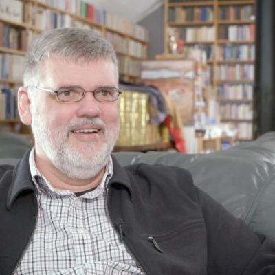 Anders Blomberg pratar