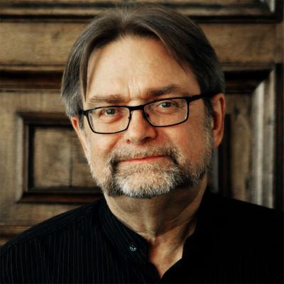 Säveltäjä Eero Hämeenniemi keväällä 2020.