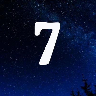 Kuvituskuva. Tähtitaivas ja joulukalenterin luukku nro 7.