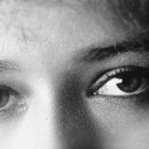 Naisen silmät