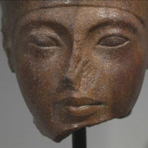 Närbild av Tutankhamon-byst som såldes för drygt fem miljoner euro på Christie´s i London.