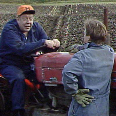 Nisse Brandt och Sixten Lundberg i dramaserien Hemgård, 1990