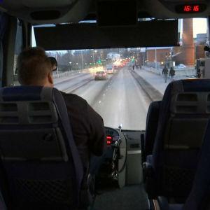 Aamullinen bussivuoro Seinäjoen ja Vaasan välillä korvaa aamuliikenteestä lakkautetun junavuoron.