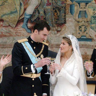 Espanjan prinssi Felipe de Borbon ja Letizia Ortiz Rocasolano heidän häissään