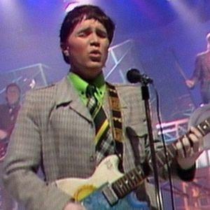 Leevi and the Leavings musiikkivideolla Poika nimeltä Päivi (1985).
