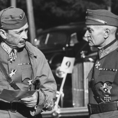 Marsalkka Carl Gustaf Emil Mannerheim ja kenraali Rudolf Walden.