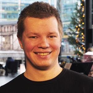 Kirkkomusiikin opiskelija Toni Hintsala.