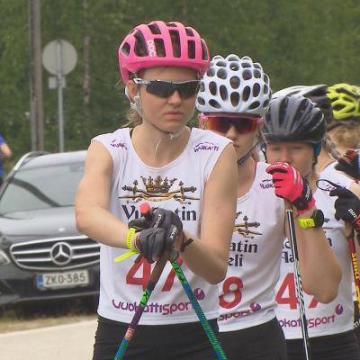 Eveliina Piippo var näst snabbast efter Kerttu Niskanen under den första dagen i Aateli Race i Vuokatti.