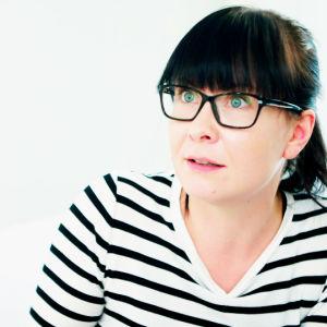 Miia Salmi on minimalistinen sisustusbloggaaja. #oma_koti_valkoinen
