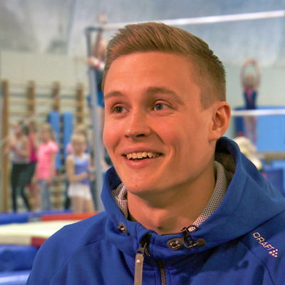 Gymnasten Oskar Kirmes i träningssalen i Esbo, april 2016