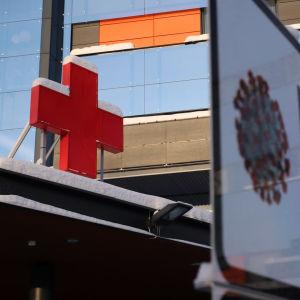 sairaalan koronatestaus kyltti