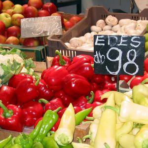 Espanjalaisia vihanneksia torilla