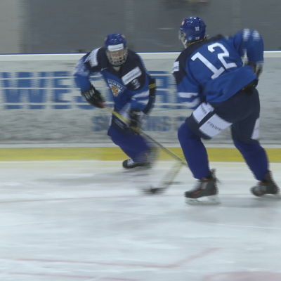 Kasper Björkqvist och Robin Salo från U20-landslaget tränar i Vierumäki